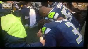 Seahawks prayer huddle
