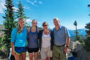 mount-rainier-and-family